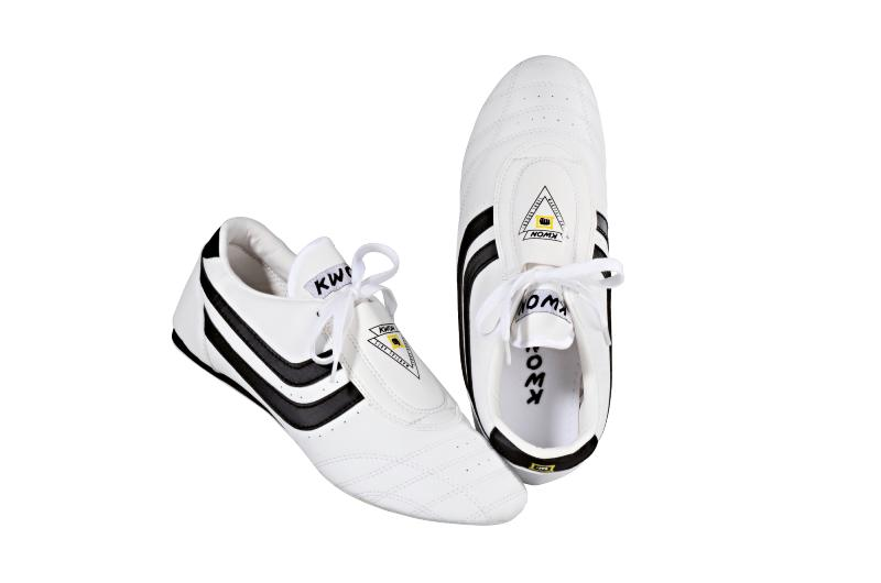 b2749fecfa5 Chaussures arts martiaux - Kwon