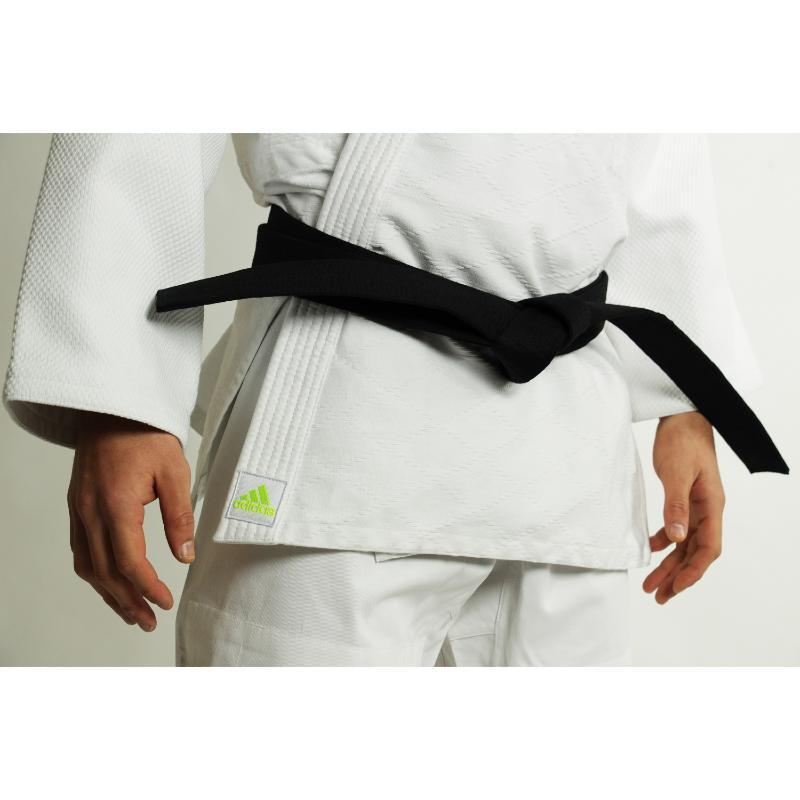 Kimono de judo adidas Quest J690 bandes rouge